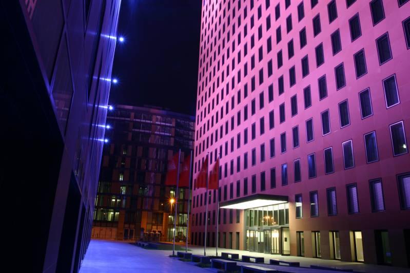 Oświetlenie Elewacji Lampami Metalohalogenowymi Natrium